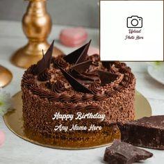 Birthday Cupcake Images, Round Birthday Cakes, Friends Birthday Cake, Happy Birthday Cake Photo, Birthday Photo Frame, New Birthday Cake, Friends Cake, Happy Birthday Photos, Birthday Cake With Candles