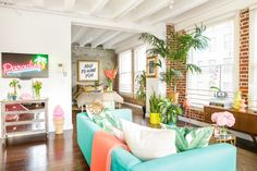 Rory Rockmore apartment in LA is an ode to modern interior design! A perfect blend of wild colors, over the top accents and details. Stay tuned and find out the best urban design furniture that will boost your home design inspiration! Interior Tropical, Colorful Apartment, Saloon, Gravity Home, Cool Apartments, Studio Apartments, Apartment Living, Apartment Therapy, Modern Interior Design