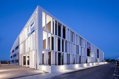 ACADEMY OF ART CRAFTS (ESMA), Auzeville-Tolosane, 2013 - LCR Architectes