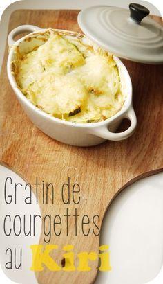 Inspirée de la recette du blog &a beautiful kitchen&, j'ai décidé de réaliser sa recette de gratin de courgettes. Je l'ai un peu modifié en remplaçant la vache qui rit par du Kiri. Vous pouvez également le remplacer par du St Moret, du fromage ail & fine...