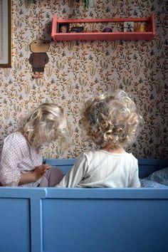 finurlig // wallpaper love all these colors...especially their cherub hair!