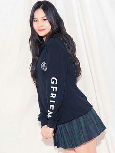 Gfriend Japan x Weego Hoodie Cr : owner Extended Play, South Korean Girls, Korean Girl Groups, Kim Ye Won, Cloud Dancer, G Friend, Me As A Girlfriend, Girl Crushes, Kpop Girls