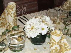 White and gold combination of #wedding#decoration# for #winter#wedding