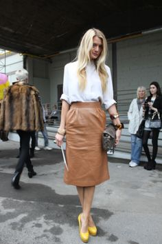 Love this camel #leather skirt