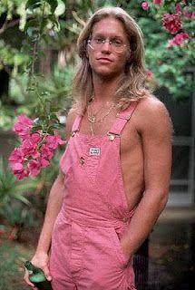 Gerry Beckley. Real men wear pink!