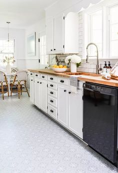 Renovate Your Rental Floor - The Best Temporary DIY makeover. | quadrostyle