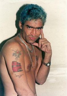 El potro Rodrigo Bueno (24 de mayo de 1973 – 24 de junio de 2000), conocido por su nombre Rodrigo, fue un cantante argentino de cuarteto. Funny Me, My Favorite Music, My Music, Tatoos, Watercolor Tattoo, Mayo, Posters, Brunettes, Famous Artists