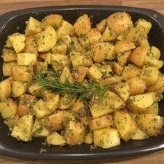 Knusprige Kräuter-Knoblauch-Kartoffeln, ein schmackhaftes Rezept mit Bild aus der Kategorie Frühstück. 4 Bewertungen: Ø 3,8. Tags: Beilage, Braten, einfach, Frühstück, Kartoffel, Schnell, Snack, Studentenküche, Vegan, Vegetarisch