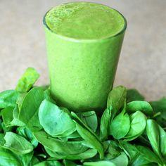 Puhdistava vihersmoothie - Resepti painonpudotukseen! Easy Green Smoothie Recipes, Green Detox Smoothie, Smoothie Diet, Healthy Smoothies, Green Smoothies, List Of Vegetables, Low Carb Vegetables, Juicing Vegetables, Veggies