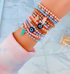 Beaded Jewelry Designs, Bead Jewellery, Bracelet Designs, Jewelery, Preppy Bracelets, Handmade Bracelets, Beaded Bracelets, Nail Design Glitter, Nail Design Spring