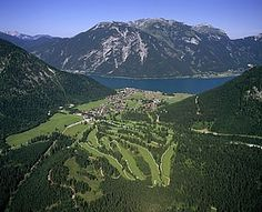 Pertisau am Achensee in Tirol - optimaler Ausgangspunkt für Wanderungen sowie Berg- und Biketouren in Tirols größten Naturpark, den Alpenpark Karwendel.