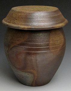 Korean Onggi (Kimchi Pots) from Korean Pottery, Fermentation Crock, Pickle Jars, Japanese Ceramics, Cooking Gadgets, Pottery Making, Tea Ceremony, Clay Pots, Kitchenware