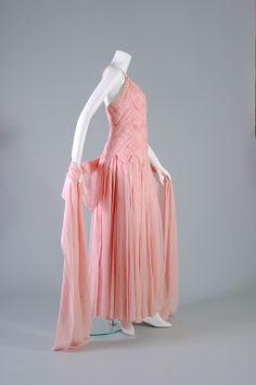 Guy LAROCHE, Latticed pink chiffon ball gown, Haute couture, circa 1984.
