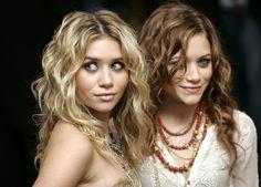 cheveux bouclés des soeurs jumelles Olsen