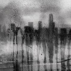 Rainy nights in the city...#OutlineTheSky #RepYourCity Photo: @robertclarkphoto