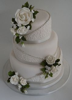 Super 69 gorgeous winter wedding cake ideas trends in Super 69 wunderschöne Winter Hochzeitstorten Ideen Trends in 2017 viscawedding. Super 69 beautiful winter wedding cake ideas trends in 2017 viscawedding. Diamond Wedding Cakes, Elegant Wedding Cakes, Beautiful Wedding Cakes, Gorgeous Cakes, Wedding Cake Designs, Diamond Cake, Bling Wedding Cakes, Lace Wedding, Elegant Cakes