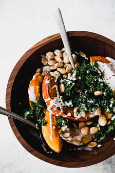 A delicious roasted red kuri squash recipe, tossed with kale and a lemon tahini sauce, crunchy almonds. Great for winter meals, or Thanksgiving side dish! Entree Recipes, Side Recipes, Fall Recipes, Vegetarian Recipes, Kuri Squash Recipe, Red Kuri Squash, Lemon Tahini Sauce, Tahini Recipe, Winter Food