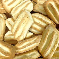 Recipe:  http://www.julianoalbano.com/#!Broinhas-de-Coco/cp1t/55ef33c50cf20cc524a399e3