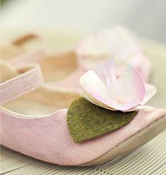 sweet handmade shoes by Joy Folie
