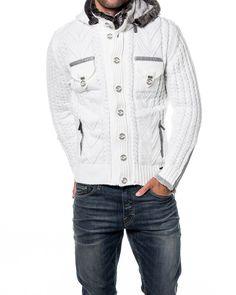 - sweter męski marki CIPO & BAXX   - zapinany na zamek i guziki   - ocieplany, odpinany kaptur   - 2 zewnętrzne kieszenie na zamek   - materiał 100% akryl, kolor biały