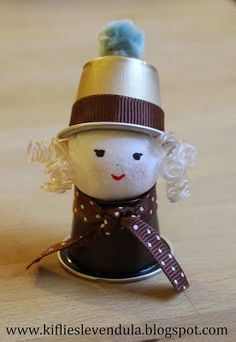 Croissant and Lavender: Elves from coffee capsule K Cup Crafts, Tin Can Crafts, Coffee Crafts, Xmas Crafts, Doll Crafts, Crafts To Do, Crafts For Kids, Diy Nespresso, Altered Tins