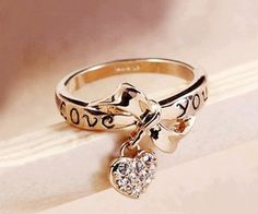 LOVE YOU RING. Get this for a promise ring for your girl <3