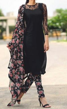 Black lace salwar kameez with pink floral Punjabi Fashion, India Fashion, Asian Fashion, Indian Attire, Indian Wear, Pakistani Outfits, Indian Outfits, Estilo India, Churidar Designs