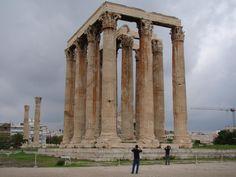 pilastra grega - Google Search Google, Greek Crafts, Greek Restaurants, Wayfarer, Viajes, Athens, Columns, Greece