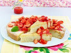 Semolina Cake with Strawberry Sauce