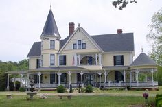 The name of this mansion is On the Hill, the most spectacular of Boydton Victorian houses. The original core of the building was a cabin from the 1790s which was then converted into a farmhouse in 1830; in 1887, the dwelling was remodeled and this is the result.