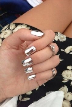 Nagellack-Trends 2016: Chrome