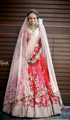 Ideas for indian bridal lehenga red ideas Wedding Lehnga, Designer Bridal Lehenga, Indian Bridal Lehenga, Pakistani Bridal Dresses, Bridal Lehenga Choli, Lehnga Dress, Wedding Dresses, Bollywood Lehenga, Eid Dresses