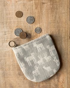 The Danica Studio Woven Animal Halfmoon Pouch is perfect for holding loose change, cards, keys, hair pins and more. Studio Weave, Handbag Organization, Zipper Pouch, Handbag Accessories, Travel Style, Travel Bags, Cosmetic Bag, Hair Pins, Keys