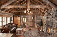 Old Log Cabin Interiors - Bing Afbeeldingen Log Cabin Living, Log Cabin Homes, Log Cabins, Rustic Cabins, Rustic Houses, Small Log Cabin, Cabin In The Woods, Little Cabin, Rustic Cottage