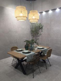 Schon ... #beton #betonoptik #zement #idee #neuheit #einrichten #wohnen #essen  #esszimmer #küche #wohnzimmer #essecke #esszimmertisch #stühle #lampen  #deko #essen ...
