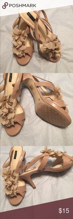 Like New Alex Marie Shoes, size 9.5. I wore these shoes once to an inside affair. Beautiful shoes by Alex Marie. Size 9.5. Too large after my weight loss. Alex Marie Shoes Heels