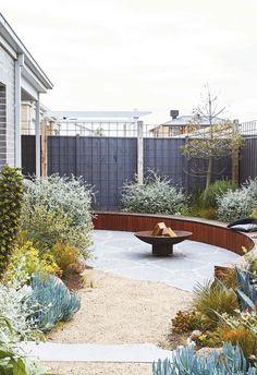 Cottage Rose, Australian Native Garden, Australian Garden Design, Coastal Gardens, Colorful Plants, Front Yard Landscaping, Landscaping Ideas, Coastal Landscaping, Terrace Garden