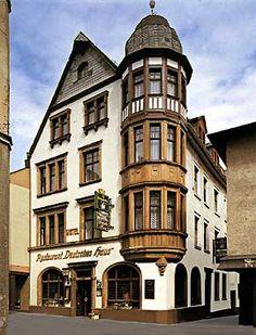 """Hotel """"Deutsches Haus"""" in Boppard on the rhine river."""