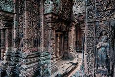 https://flic.kr/p/rLbxni | Detail of Banteay Srei Temple - Cambodia | Detail of Banteay Srei Temple - Cambodia