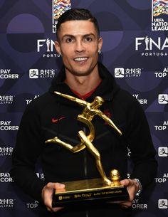 Ronaldo Cristiano Cr7, Cristino Ronaldo, Ronaldo Football, Ronaldo Photos, Kylie Jenner Pictures, Neymar Jr, Soccer Players, Juventus Soccer, Oct 2017
