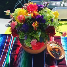 Mexican Dessert Table, Mexican Centerpiece, Mexican Party Decorations, Table Decorations, Fiesta Cake, Mexican Fiesta Party, Fiesta Theme Party, Quinceanera Planning, Quinceanera Party