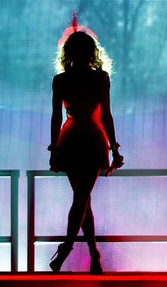Kylie Minogue Photos - Kylie Minogue Performs in Liverpool - Zimbio