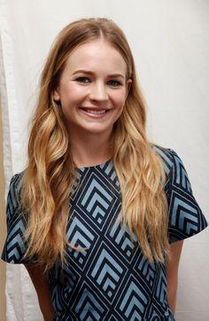 Britt Robertson. (Brittany Leanna Robertson, 18-4-1990, Charlotte).