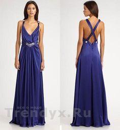 Синее платье с голой спиной