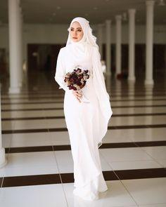 Hijab Wedding: Likes, 102 Comments - Pastelina Batik : 25 Nov (Ace Methpra. Hijab Wedding: Likes, 102 Comments – Pastelina Batik : 25 Nov (Ace Methprajak) on Instagr… Muslimah Wedding Dress, Muslim Wedding Dresses, Muslim Brides, Best Wedding Dresses, Bridal Dresses, Bridesmaid Dresses, Malay Wedding Dress, Wedding Hijab Styles, Niqab