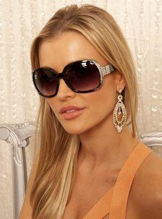 Joanna Krupa in StarStruck sunglasses from SINGE Eyewear