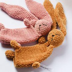 Crochet Bunny Pattern, Crochet Cardigan Pattern, Crochet Patterns, Crochet Teddy, Quick Crochet, Crochet Basics, Bunny Blanket, Amigurumi Patterns, Amigurumi Toys