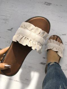 Ruffles Hem Casual Summer Slipper Source by krausenora . - Ruffles Hem Casual Summer Slipper Source by krausenora Schuhe Cute Sandals, Cute Shoes, Me Too Shoes, Shoes Sandals, Flats, Slipper Sandals, Flat Sandals, Summer Slippers, Summer Shoes