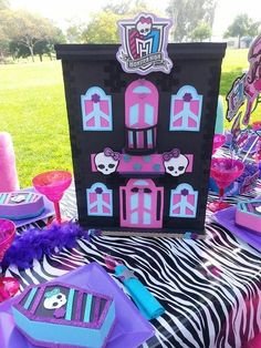Cool table decor at a Monster High Birthday Party!  See more party ideas at CatchMyParty.com!   #girlparty