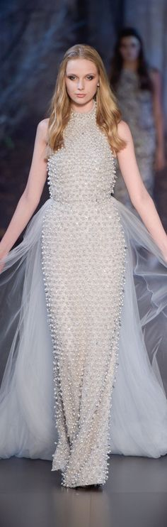 Ralph and Russo fall 2015 couture Style Couture, Haute Couture Fashion, Phoebe Philo, Christopher Shannon, Rebecca Taylor, Fitted Wedding Gown, Wedding Dresses, Valentin Yudashkin, Cynthia Rowley